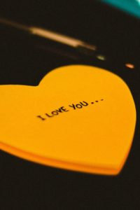 i love you on sticky note